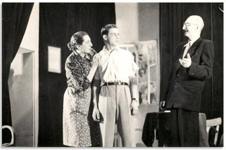 Fragment przedstawienia w wykonaniu aktorów z Placu Fabrycznego. Zdjęcie wykonane przez Jana Nosowicza w latach 60-tych.