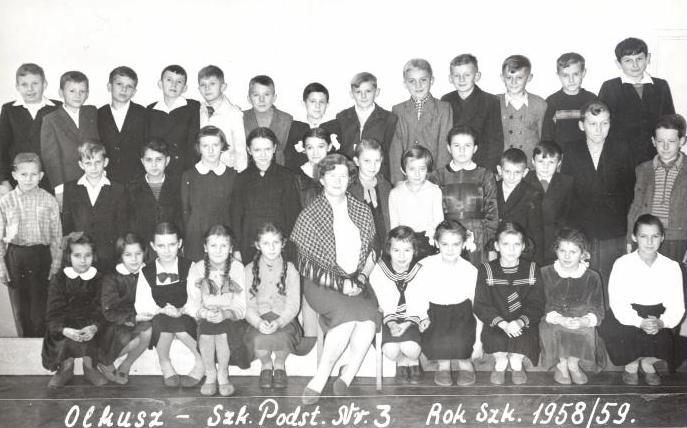 21. Szkoła Podstawowa nr 3 w Olkuszu. Rok szkolny 1958/59. Nauczycielka Bronisława Kassykowa. Fot. ze zbiorów Ryszarda Maliszewskiego.