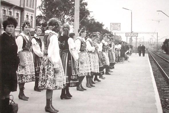 10. Oddanie linii elektrycznej X 1966 rok. Fot. Jan Nosowicz.