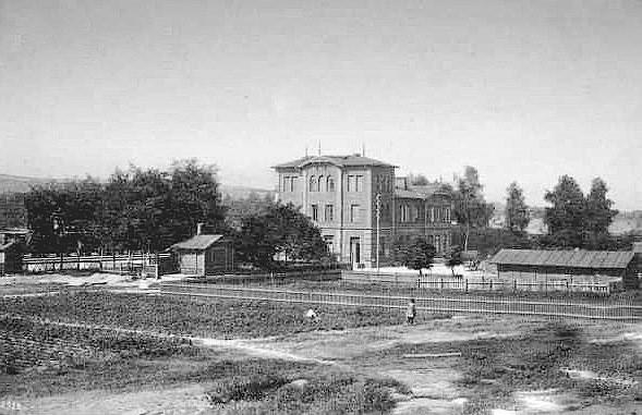 2. Widok stacji od wschodu, pocz. XX wieku. Fot. ze zbiorów Piotra  Nogiecia.