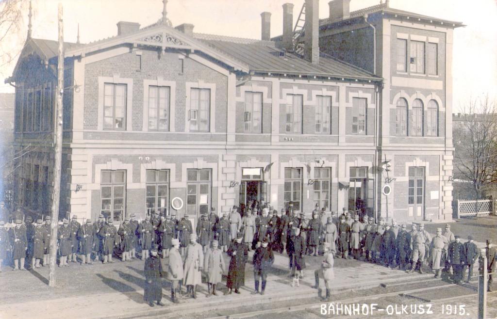 4. Wojsko na stacji PKP, 1915 rok. Fot. ze zbiorów Marka  Piotrowskiego.