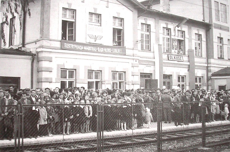 9. Oddanie linii elektrycznej, X 1966 rok. Fot. Jan Nosowicz.