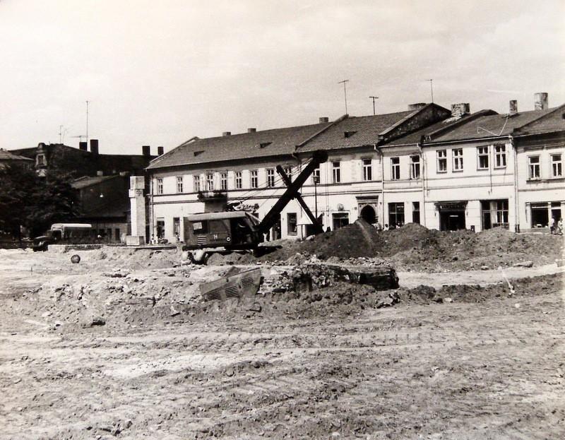 17. Przebudowa rynku, połowa lat 70-tych. Fot. Jan Nosowicz.