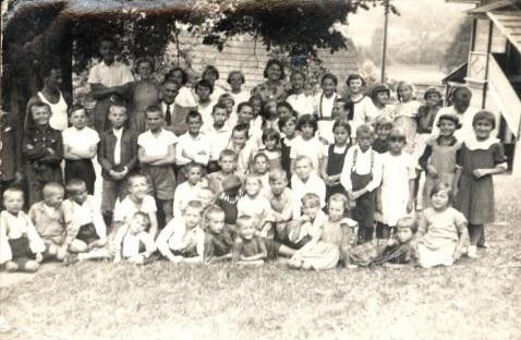 16. Kolonia zorganizowana przez Fabrykę Westena w Skomielnej Czarnej. 1936 rok. Fot. ze zbiorów Ryszarda Maliszewskiego.