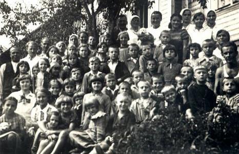 17. Kolonia zorganizowana przez Fabrykę Westena w Skomielnej Czarnej. 1936 rok. Fot. ze zbiorów Ryszarda Maliszewskiego.