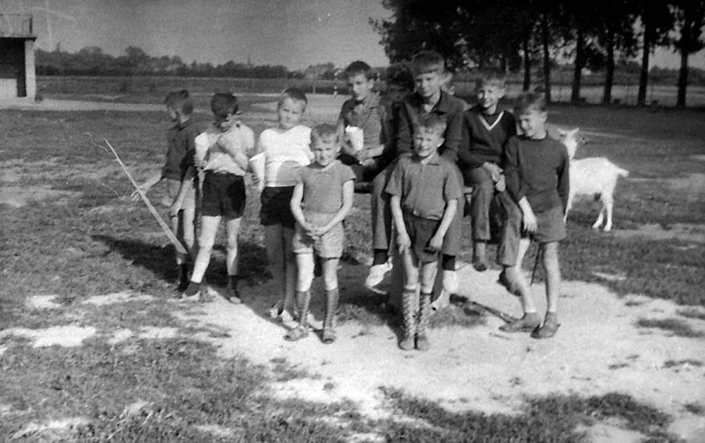 2. Kolonia letnia w Szczucinie, 1969 rok. Fot. ze zbiorów Piotra  Nogiecia.