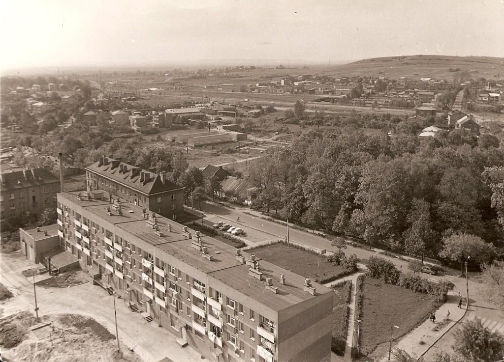 14. Panorama z wieży kościelnej w kierunku północno-zachodnim. Widać blok przy Sławkowskiej i Park Miejski. Rok 1968. Fot. Ze zbiorów Tomasza Strojnego.