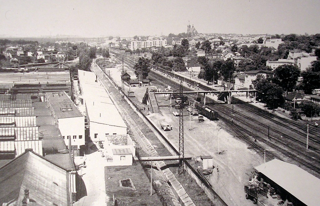 21. Widok Olkusza z fabrycznej wieży ciśnień, lata 60-te. Fot. Jan Nosowicz.