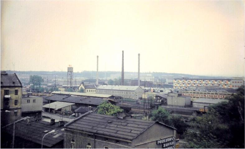 22. Widok na OFNE z dachu budowanego hotelu Olkusz, połowa lat 70-tych. Fot. Piotr Nogieć.