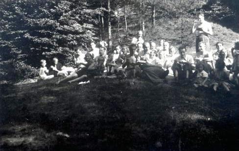 25. Piknik na Podpolisie. 1950 rok. Fot. Ze zbiorów Ryszarda Maliszewskiego.