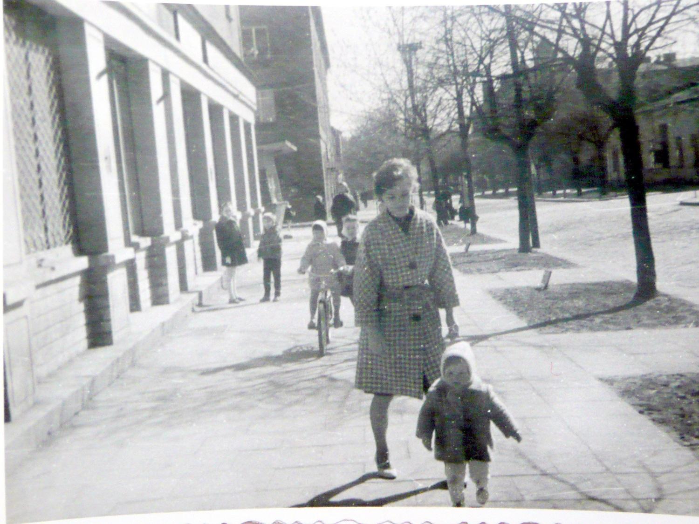 9. Ulica Kościuszki, lata 60-70. Fot. Ze zbioru Jagody Dąbek.