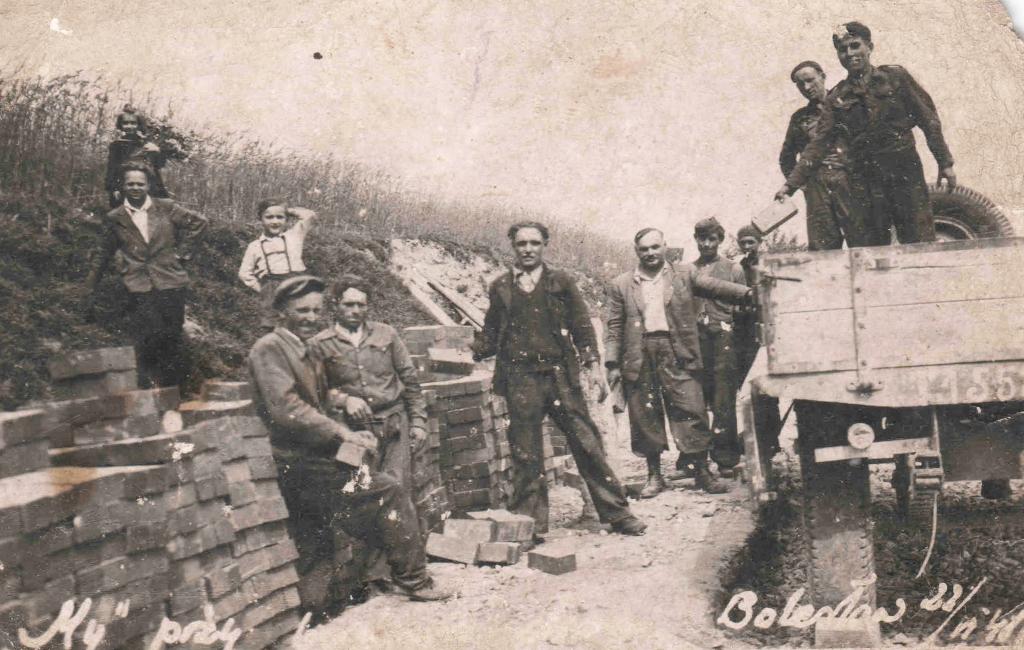 24. Prace budowlane w Bolesławiu. 22 czerwca 1948. Fot. Ze zbiorów Dawida Koniecznego.
