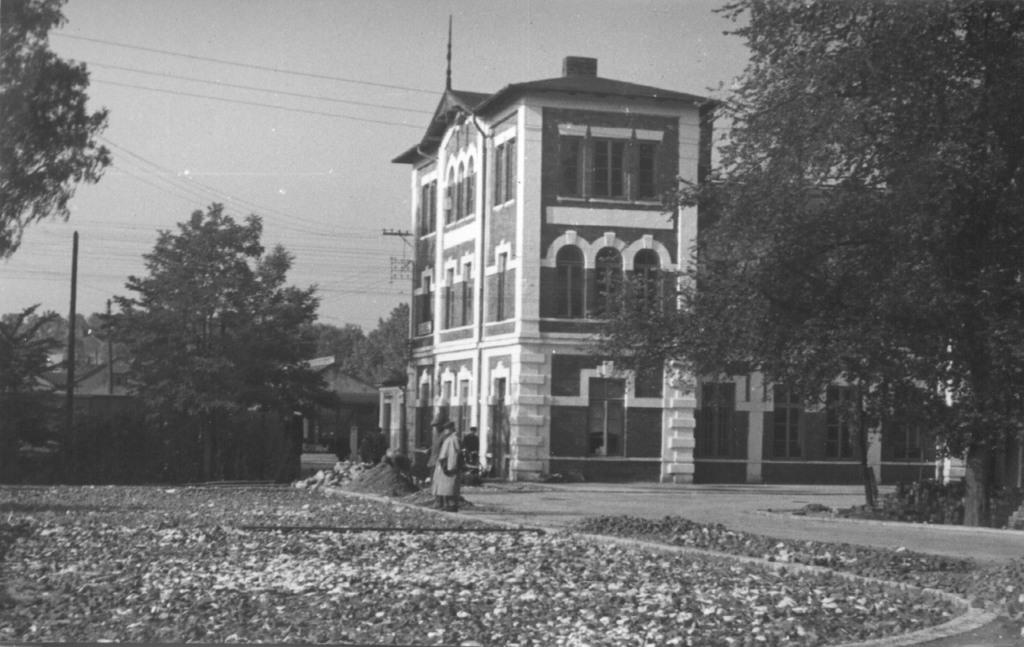 13. Budynek dworca kolejowego w Olkuszu. Fot. Jan Nosowicz.