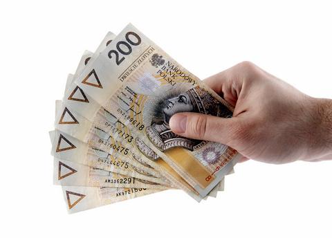 pieniadze 200