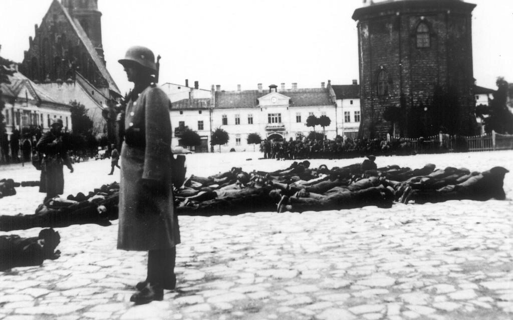 24. Krwawa Środa w Olkuszu - Rynek. Fot. Z archiwum Muzeum Regionalnego PTTK w Olkuszu.