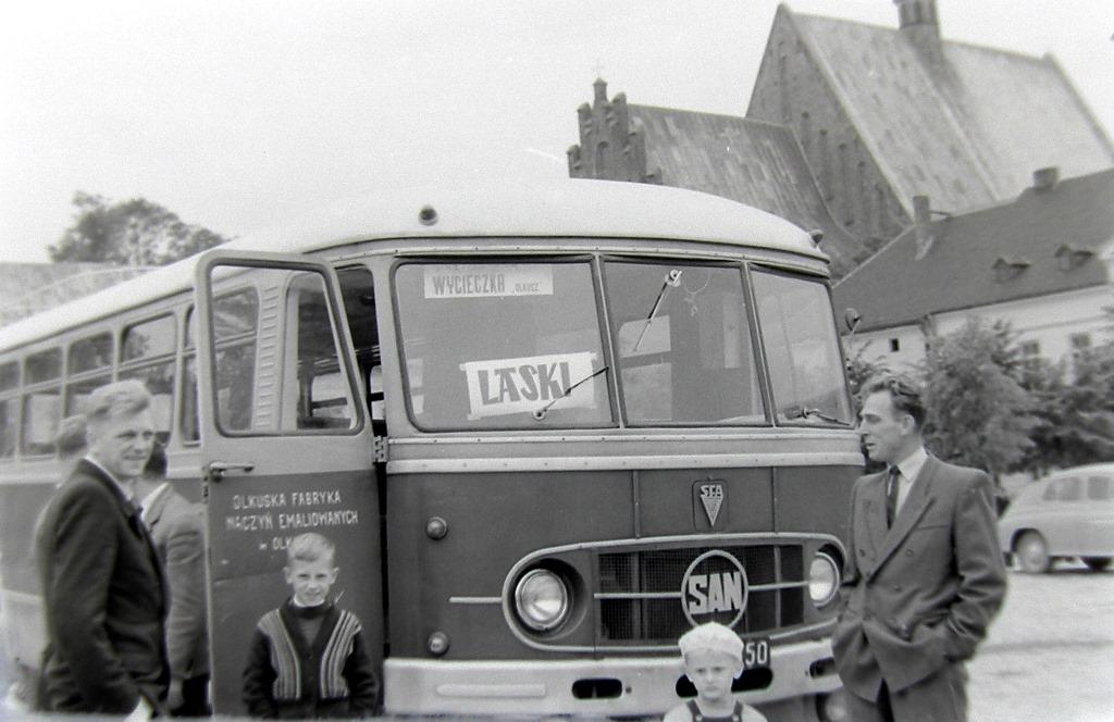 22. Autobus San należący do OFNE przed wyjazdem na Laski. Fot. Jan Nosowicz.