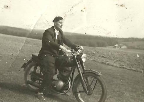 49. Szczyt marzeń - WFM. Rok ok.1955, Olewin- Podwitoniec. Fot. Z archiwum Zbigniewa Barańskiego.