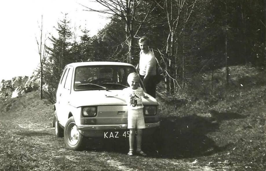 53. Pierwszy Maluch Zbyszka Barańskiego. 1979 rok, pojemność 600 cm. Ogrodzieniec 1987r. Fot. Z archiwum Zbigniewa Barańskiego.