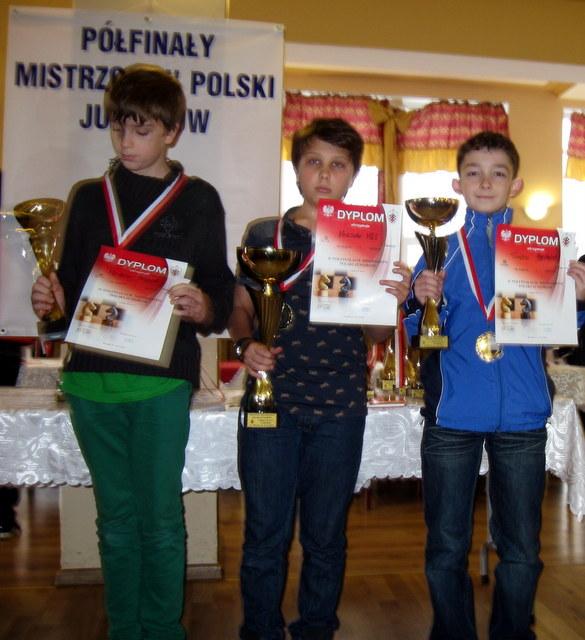 czarny kon polfinaly juniorow