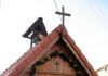 starczynów - modrzewiowa kapliczka 001