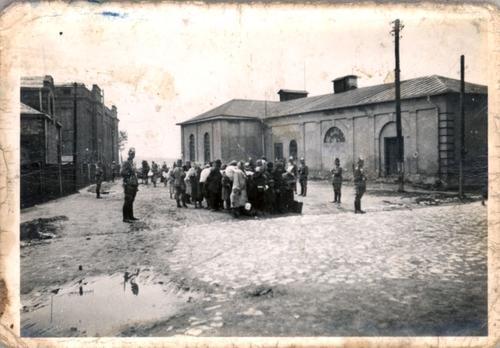 wywózka żydów do komór gazowych birkenau