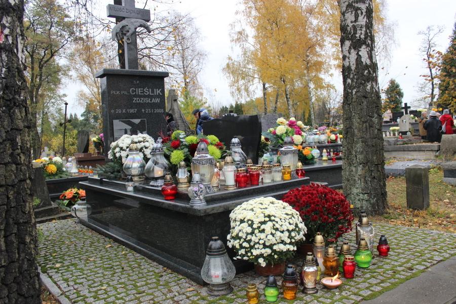 cmentarz 10