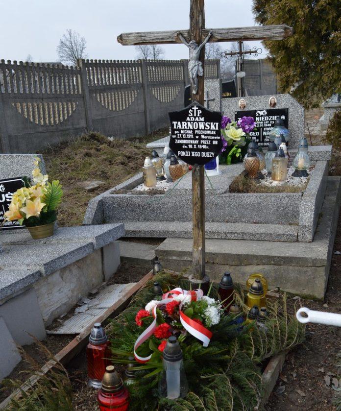 grób 2